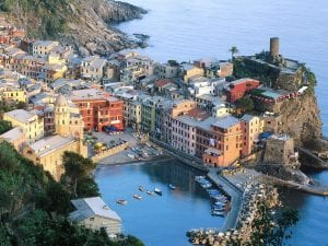 vernazza cinque terre liguria italy 300x225 Becoming A Traveler
